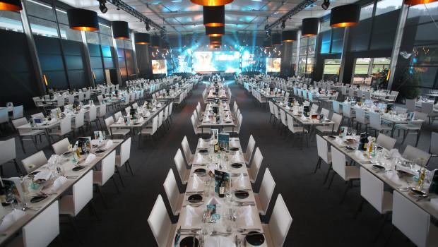Für die 680 Gäste des Galaabends und den darauffolgenden Tag der offenen Tür hatte Eglo eigens ein Festzelt errichtet.
