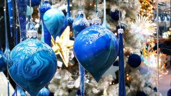 Der Baum trägt dieses Jahr Blau
