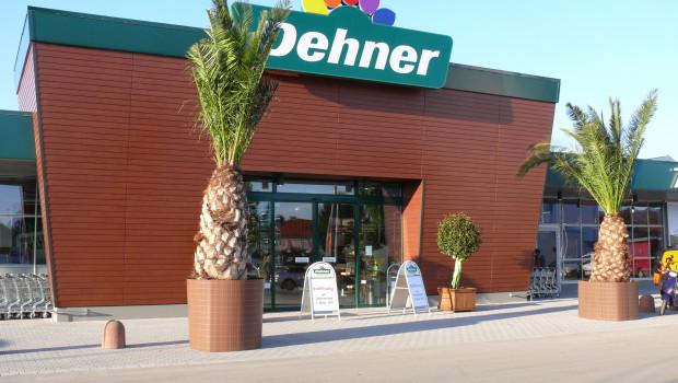 Das 2011 eröffnete Dehner-Gartencenter in Heidelberg wird im Dezember einen Tag lang von Auszubildenden geführt.