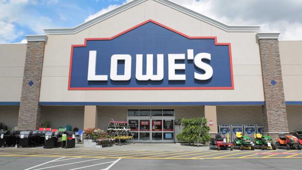 Lowe's, die weltweite Nummer zwei im Baumarktgeschäft, hat im Geschäftsjahr 2017/2018 einen Umsatz von knapp 69 Mrd. USD erzielt.