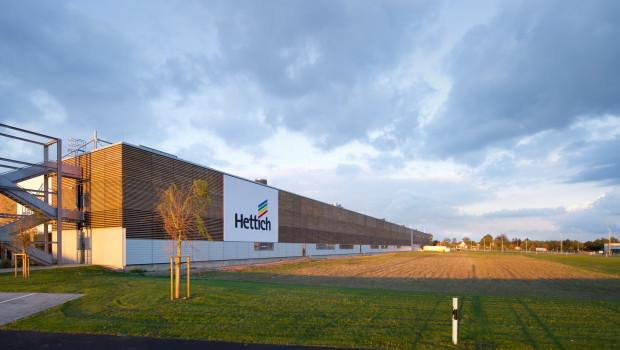 Die Produktionshalle von Hettich wurde als vorbildliches Bauwerk ausgezeichnet.