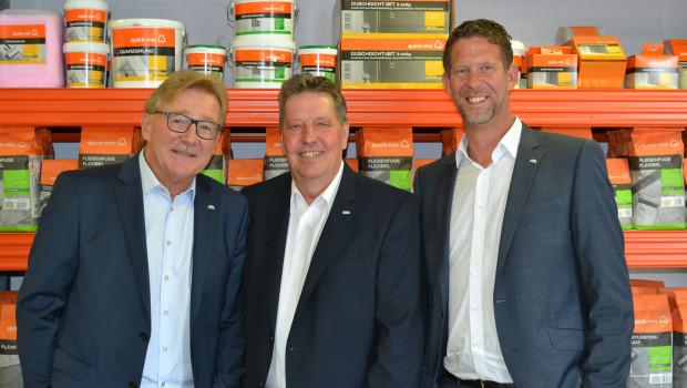 Führungswechsel in der Baumarktsparte von Quick-Mix (v. l.): Eckhardt Berg übergibt die Leitung an Hans Kuper und Lars Grimm.