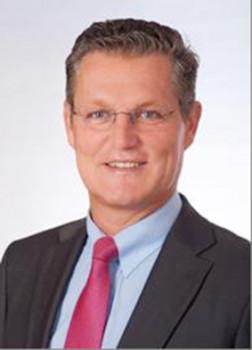 Thomas Schäbinger folgt Michael Wolff an der Vorstandsspitze der Pfleiderer Group.