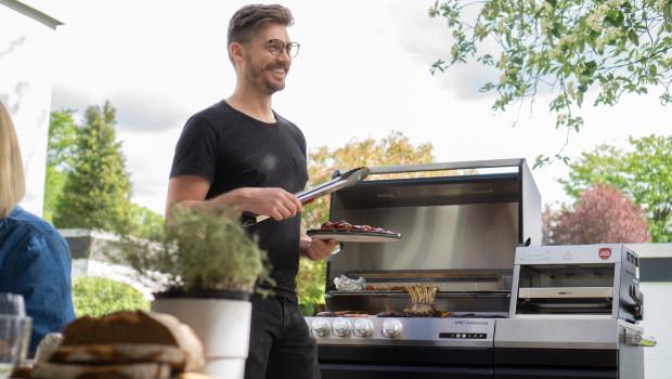 Neues Geschäftsfeld für Miele: Die modulare Outdoor-Küche von Otto Wilde mit dem Gasgrill G32 und dem O.F.B.-Oberhitzegrill für höchsten Grillgenuss in gemütlicher Runde.