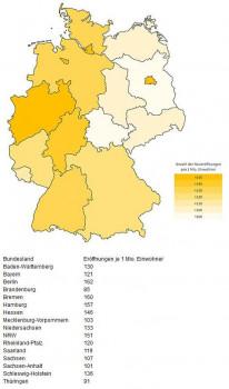 Die neuen Bundesländer liegen weit abgehängt hinter dem Westen zurück, so eine Analyse unter mehr als 10.000 Neueröffnungen des Internetportals www.oeffnungszeitenbuch.de.