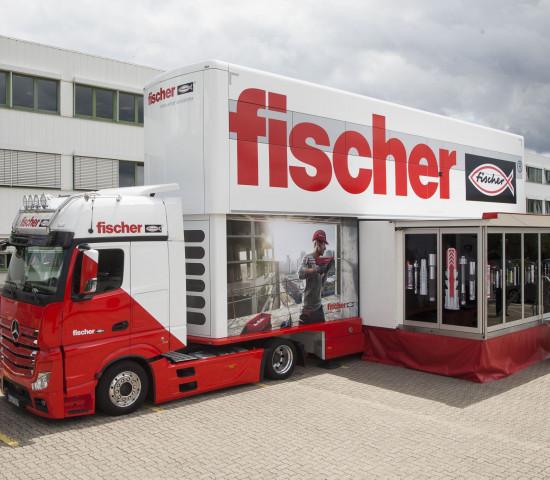 Fischer: Der Tourtruck ermöglicht ortsunabhängige Schulungen.