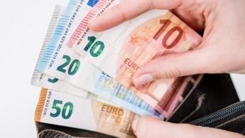 Die Verbraucher gaben im vergangenen Jahr 1.250 Euro weniger aus