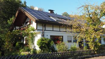 Eigenheimbesitzer streben bei der Stromversorgung nach Autarkie