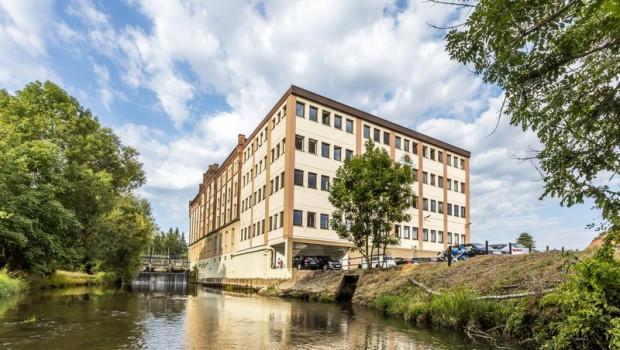 Blick auf den Firmensitz im Emmerthal.
