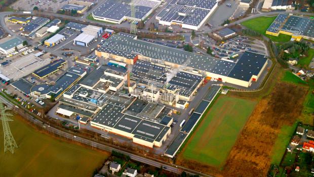 Der Konzernumsatz von Pfleiderer belief sich im ersten Halbjahr 2016 auf 489,3 Mio. €. Im Bild das werk in Arnsberg.