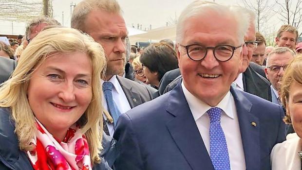 """""""Zwei Präsidenten auf dem Bild"""", meinte Frank-Walter Steinmeier. Genau genommen sind es ein Präsident und eine Präsidentin: Martina Mensing-Meckelburg vom VDG traf den Bundespräsidenten bei der Eröffnung der Buga in Heilbronn."""