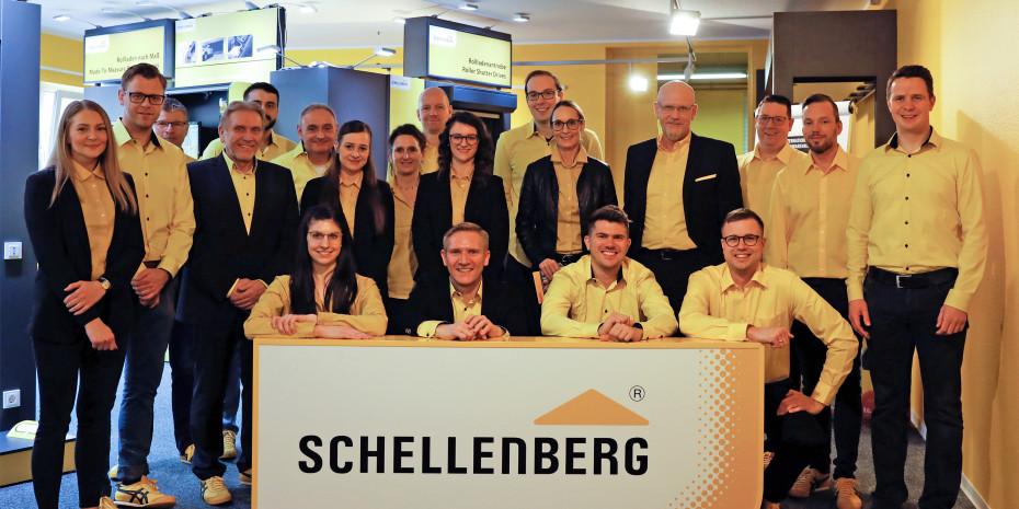 Schellenberg GmbH, Sascha Schellenberg, Geschäftsführer  (am Schild, 2. v. l.)
