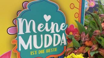 Mütter bekommen Blumen für 234 Millionen Euro