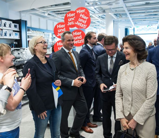 Die aus Deutschland stammende Silvia suchte das Gespräch mit den Clas Ohlson-Kunden.