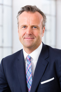 Marcus Sander übernimmt den Vorsitz der Geschäftsführung der Roto Frank Fenster- und Türtechnologie GmbH.