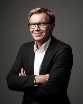 Frank Beerhorst, vormals Leiter Produktmanagement beim Coesfelder Hersteller für Produkte zur Boden-, Wand- und Deckengestaltung, übernimmt die Leitung der neuen Business Unit Commercial.