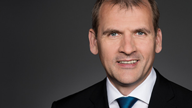 """""""Online-Marktplätze sind Top-Vertriebswege für den stationären Einzelhandel"""", sagt der stellvertretende HDE-Hauptgeschäftsführer Stephan Tromp."""