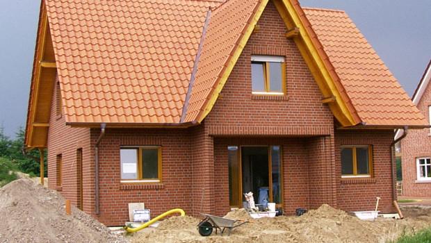 Die Zahl der neu zu errichtenden Einfamilienhäuser steigt.