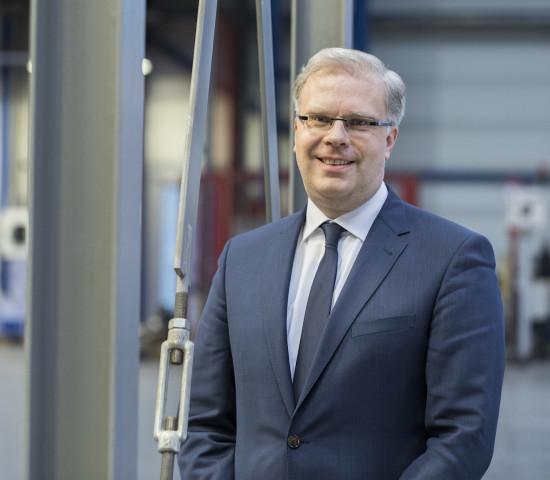 Ulrich Cramer ist bereits seit 2015 als Geschäftsführer für die kaufmännischen Bereiche Finanz- und Rechnungswesen, Controlling, Personal, IT, Supply Chain sowie Logistik und Einkauf verantwortlich.