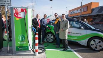 Hornbach stattet Märkte mit Elektro-Ladesäulen aus