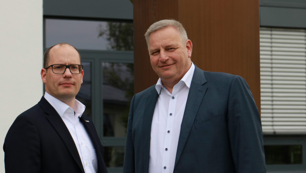 Peter Abraham (l.) wird zum 1. Juli neuer Bereichsleiter Einzelhandel bei der Eurobaustoff. Sein Stellvertreter und Einkaufsleiter wird Joachim Schöck.