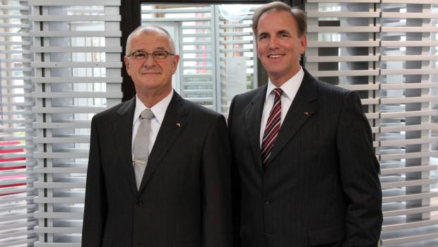 Die Roto Frank AG startet mit dem nächsten strategischen Investment in das Jahr 2016: Vorstandsvorsitzender Dr. Eckhard Keill (l.) und Finanzvorstand Michael Stangier.