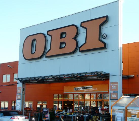 Besucht wird auch ein Obi-Markt in Köln.