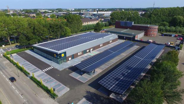 Lidl hat im niederländischen Woerden seinen ersten emissionsfreien Markt eröffnet.