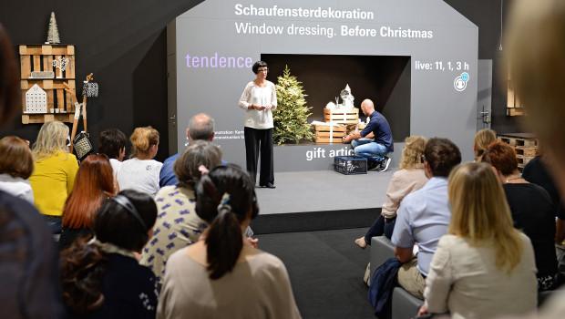 Schaufensterdeko zu Weihnachten ist eines der Themen aus dem umfangreichen Vortragsprogramm im Rahmen der Tendence.