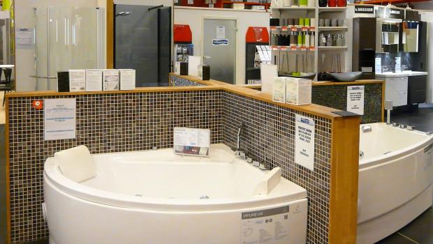Die Sanitärabteilungen der Baumärkte sind für 23 Prozent der Hauseigentümer die bevorzugte Einkaufsstätte, wenn es um eine Badrenovierung geht.