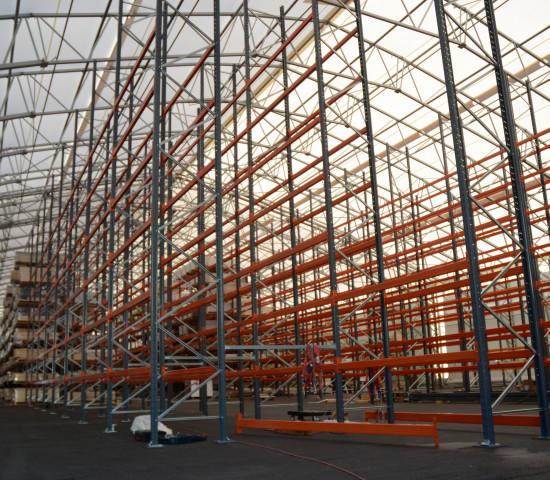 Durch den Neubau steht dem Unternehmen zusätzlich Lagerfläche zur Verfügung.