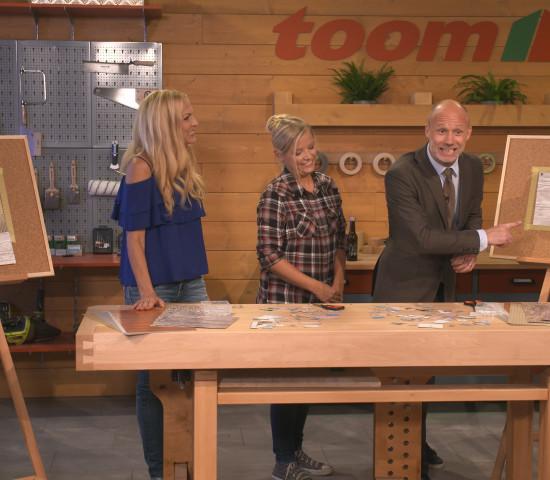 """In der Heimwerkerserie """"toom time"""" spricht Sonya Kraus mit Moderator Andreas Bursche über ihren Einrichtungsstil und erklärt das Konzept """"Hygge"""" (Copyright: Toom)."""
