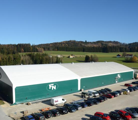 Insgesamt verfügt Neuhofer Holz derzeit über 13.300 m² Lagerfläche und somit 7.560 Palettenstellplätze am Standort Zell am Moos.