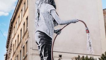 Gardena wirbt auf 120 m² einer Wiener Hauswand für city gardening