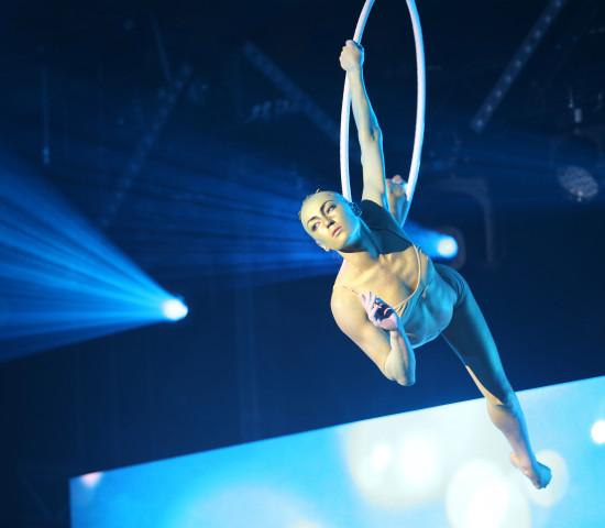 Zu den Künstlern des Abends zählten unter anderem Oksana von Cirque du Soleil...