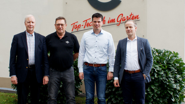 Arbeiten künftig zusammen (v. l.): Dennis Jacobson, COO Globe Tools, Achim Peters und Andreas Bruns, beide Geschäftsführer Cramer, sowie Torsten Bollweg, CEO Globe Tools Europe.