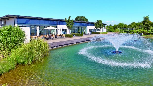 Oase demonstriert seine Kompetenz in Sachen Wassertechnik auch am Firmensitz in Hörstel.
